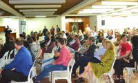 Público presente durante abertura