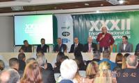 Prefeito de Serra Negra agradecendo a presença dos participantes.